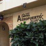 Hotel Aeropuerto Sur Photo