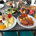 Hilton Istanbul Bomonti Hotel & Conference Center Photo