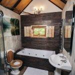 bathroom at king arthurs willow