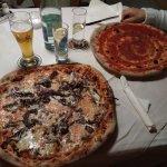 La pizza straborda dal piatto!!!
