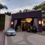 Foto de Avenue of the Arts Costa Mesa, a Tribute Portfolio Hotel