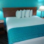 Photo de Howard Johnson Inn And Suites San Diego Area/Chula Vista