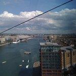 Photo de Emirates Air Line Cable Car - Royal Docks