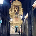 Fachada y Puerta de Entrada