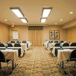 Photo de Holiday Inn Express Hotel & Suites Amarillo