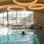 Sky Spa: Schwimmen mit Blick auf den Nederkogel
