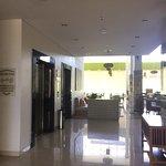 Photo de Holiday Inn Express Bali Raya Kuta