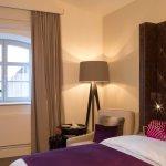 Komfortables Einzelzimmer im Hotel Brunnenhaus Schloss Landau