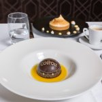 La Coupole -Dessert signature, Chocolat grand cru Valhrona, orange  (c)Inside360