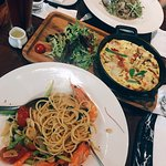 Vibes Kitchen & Bar照片