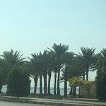 شاطئ ينبع البحر بمرافقه وجلساته