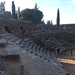 Photo de Roman Theater (Teatro Romano)
