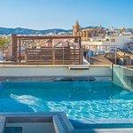 Roof top splash pool