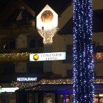 Photo de Hotel Lowenhof