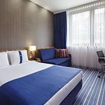 Photo of Holiday Inn Express Frankfurt City Hauptbahnhof