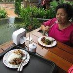 thai food -2-Entree Plate