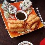 Tempuras et California Makis (saumon/cream-cheese + thon cuit/cream-cheese/avocat)
