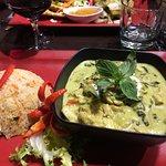 Poulet au Curry vert et riz sauté