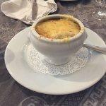 Plat du jour et soupe d'oignon