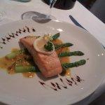 Salmon & asparagus in saffron sauce