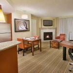 Photo de Residence Inn by Marriott Calgary Airport
