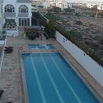 vue sur la piscine de la terrace