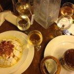 Les desserts, île flottante et tiramisu!