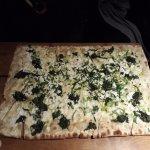 Pizza spinaci e formaggio