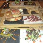 Jamon + Salmon + Tartar de tomate + pastel escalibada