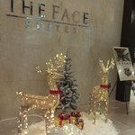 THE FACE Suites의 사진