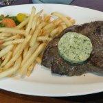 Rumsteak Maître d'Hôtel, frites et légumes