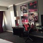 Foto de Kimpton Rouge Hotel