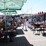 I sommeperioden har vi hver søndag sildejazz, med frisk fiskebuffet og diverse Jazz Bands.