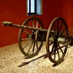 Every palace needs a cannon!