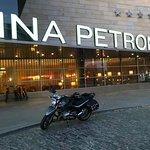 Hotel Reina Petronila Foto