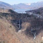 展望台から見た華厳の滝、中禅寺湖の眺望
