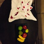 Fruit Platter with Towel Folding Design