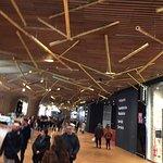 CityLife Shopping District: Ai piedi di Torre Hadid