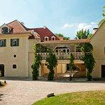 Schloss Tiefurt von Osten mit Altan