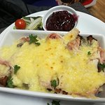 Christmas Wedges with Turkey, Ham & melted cheese with Cranberry sauce dip