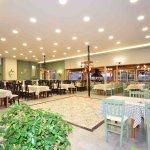 Ο «Καλοφαγάς» ταβέρνα στο Λουτράκι Πέλλας, με άνετους χώρους Ελληνική κουζίνα και ζωντανή μουσικ