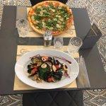 Pizza Cantinetta & Linguine frutti di mare