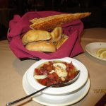 bread basket w/dipping sauce