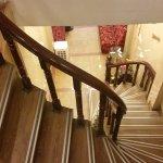 Steps to lobby