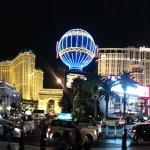 Paris Las Vegas resmi