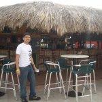 Bar al área libre, en frente de la piscina
