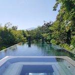 R29 Villa pool