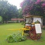 Montebello Villa Hotel resmi