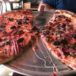 Foto de luigi's coal oven pizza