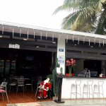 Lo&Lo Restaurante comparte contigo las festividades navideñas..ven y disfruta con nosotros..